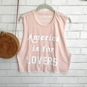 The Laundry Room | Crop Muscle Tee Top Graphic